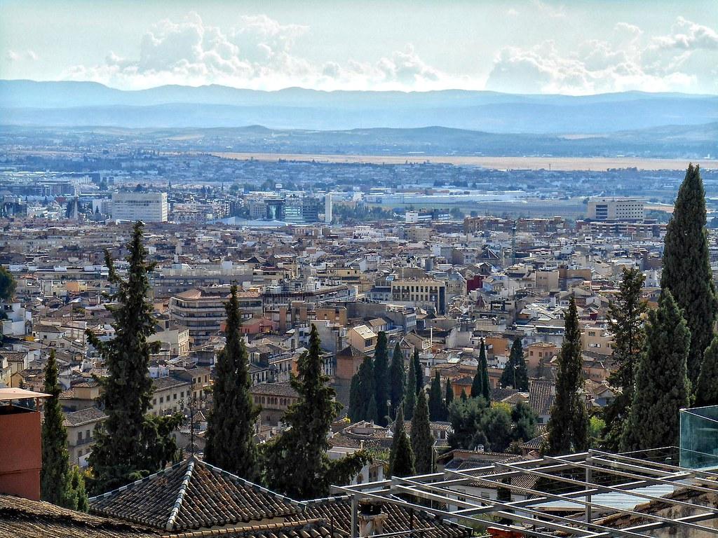 El ayuntamiento de Granada y la junta de Andalucía refuerzan sus mecanismos de coordinación con la puesta en marcha de un comité intermunicipal de seguimiento del covid-19