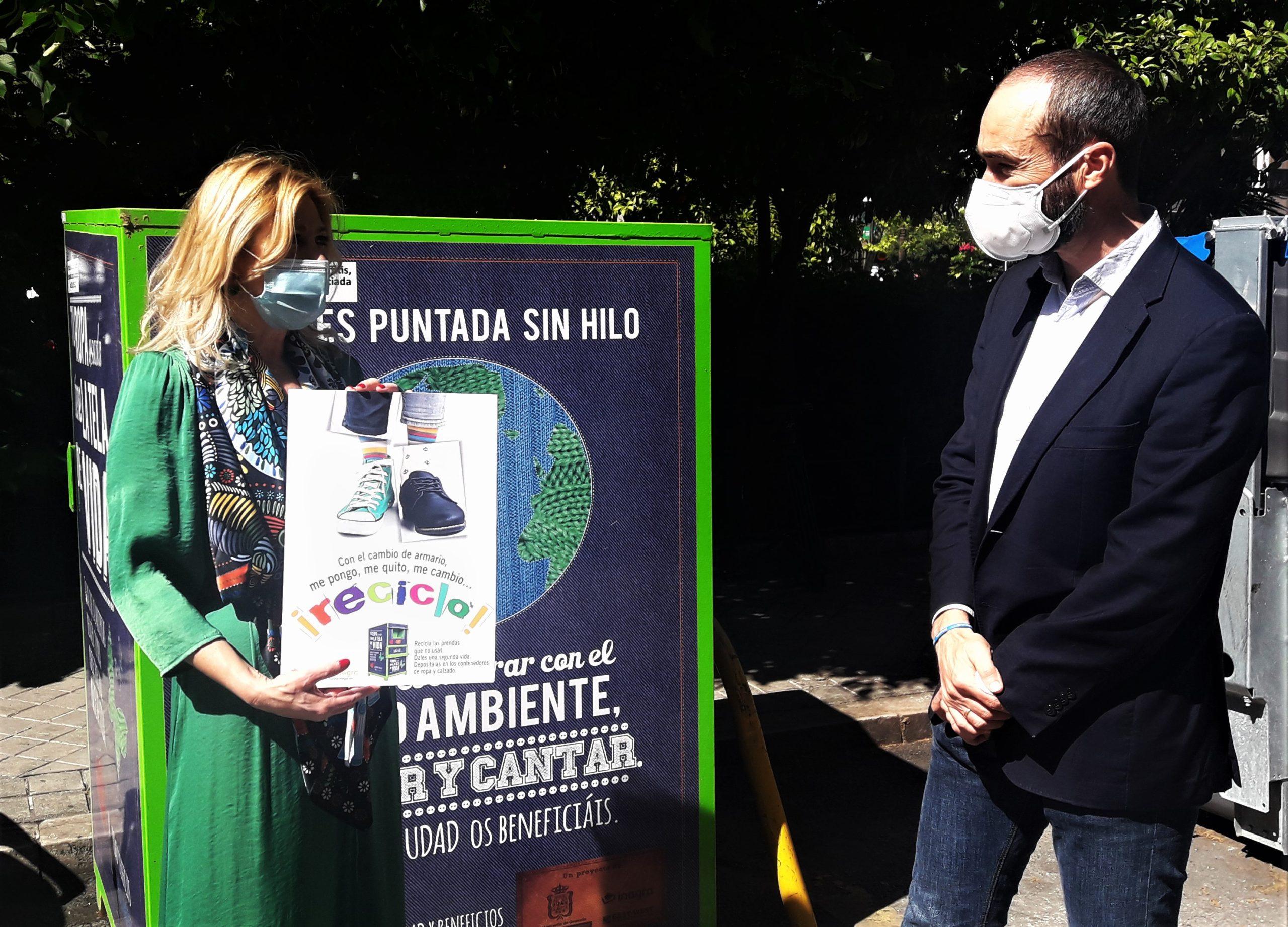 """El Ayuntamiento refuerza el servicio de recogida de ropa ante el incremento de la demanda con el """"cambio de armario"""""""