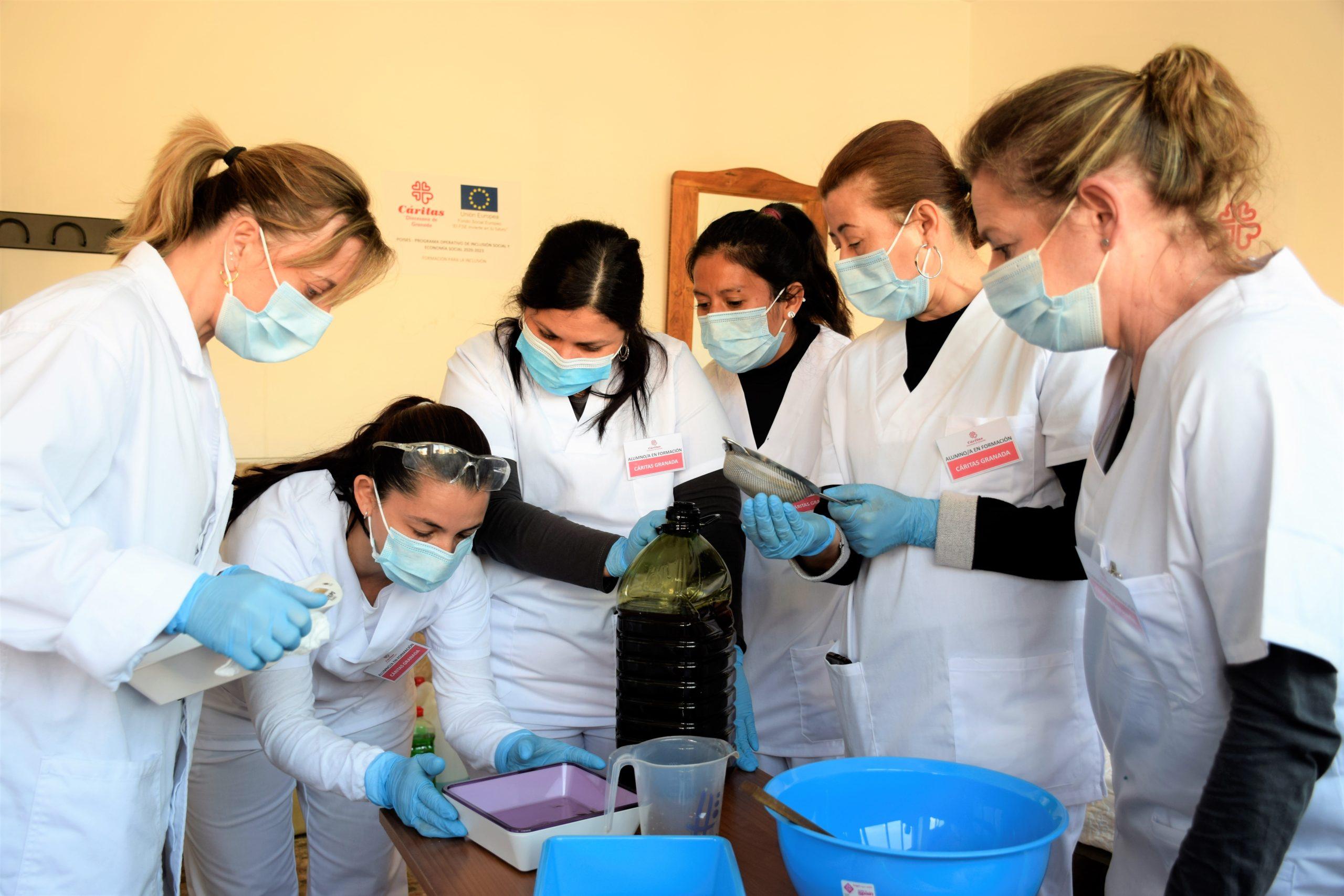 Cáritas Diocesana de Granada ayuda durante la pandemia a más de 600 personas en la búsqueda de un empleo