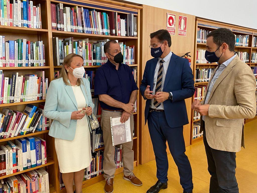 La biblioteca Francisco Ayala cumple diez años con plena implantación en el Zaidín y más de un millón de visitas.
