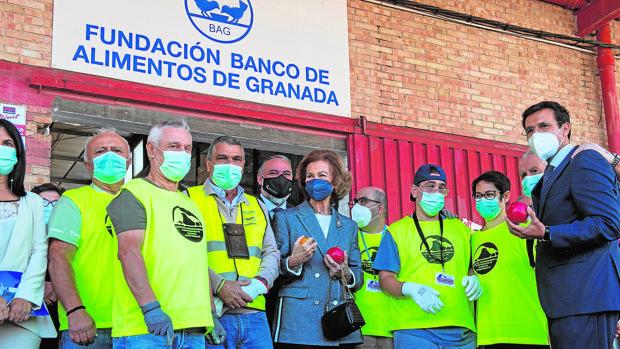 La Fundación Banco de Alimentos de Granada recibe a la Reina Sofía
